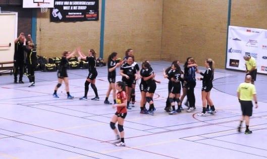 dames 1winst - Borhave schrijft club geschiedenis in Raalte
